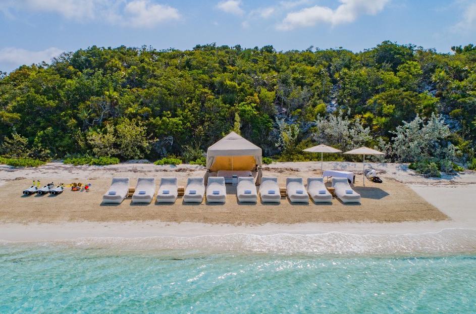 FunAir Loungers beach set up